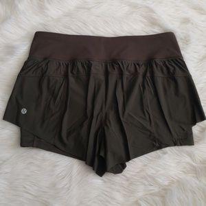 Lululemon beautiful olive green shorts size 10